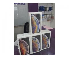 Apple iPhone XS Max iPhone XS iPhone X iPhone 8 350 USD Samsung Note 9 S9+ S9