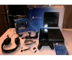 Sony PlayStation 4 - 500GB + 2 controls + 4 games + PS Camera