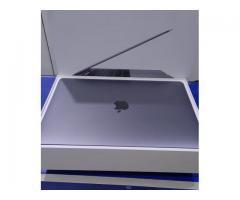 (2017) Apple Macbook Pro 15-Inch (3.1 GHz Intel Core i7 16GB, 2TB ) w/ Touchbar