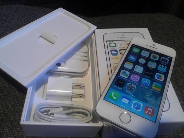 Apple iPhone 5s LTE A1530 64GB (Unlocked)