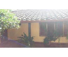 Vendo Una Casa En El Centro Mismo De San Lorenzo, Excelente UbicaciÓn