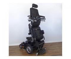 Silla de ruedas permanente Permobil C500 - CARGADA con asientos All Power, neumáticos negros